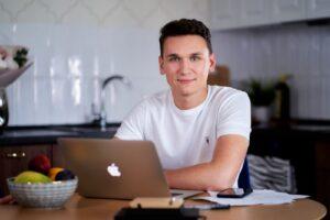 Spoko.App's CEO, Evgeny Chamtonay